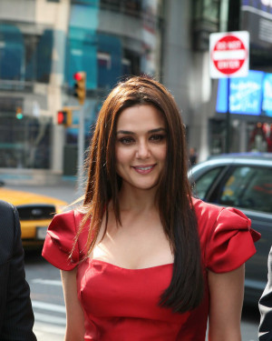 preity zinta in kal ho naa ho preity zinta photos on rediff pages
