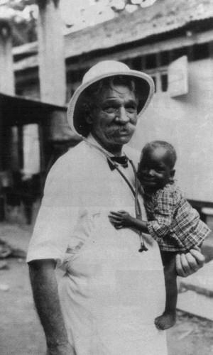 Morreu em 4 de setembro de 1965, em Lambaréné , no Gabão .