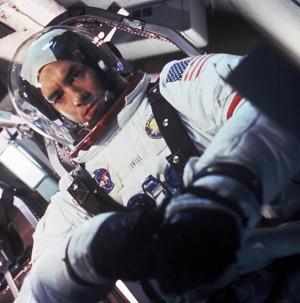 Tom-Hanks-Jim-Lovell-Apollo-13.jpg