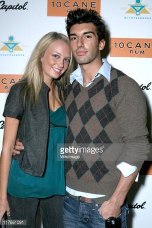 Justin Baldoni and Melissa Ordway