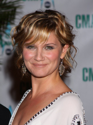 Jennifer Nettles Pictures