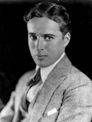 Description Charlie Chaplin portrait.jpg