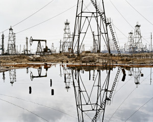 """Go See – New York: Edward Burtynsky's """"Oil"""" at Hasted Hunt ..."""