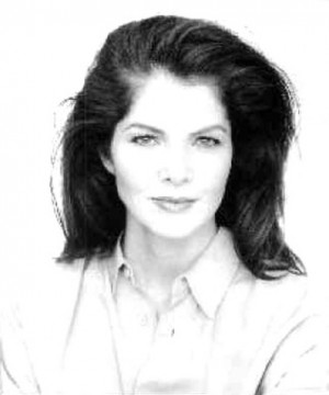 Lois Chiles Hot