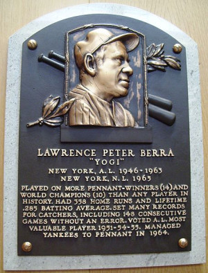 Description HOF Berra Yogi plaque.jpg