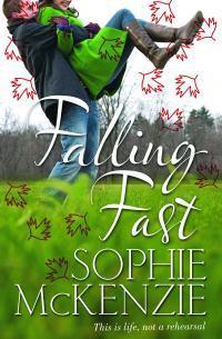 Falling Fast (Flynn, #1)