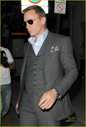 Dark grey suit. GroomDaniel Craig, Gentlemens Fashion, 3 Piece Suits ...