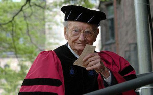 Paul Samuelson at a graduation ceremony at Yale in 2005 Photo: AP