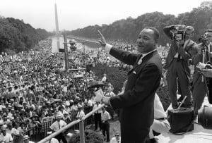 US civil rights leader Martin Luther KIng (C) waves to supporters from ...