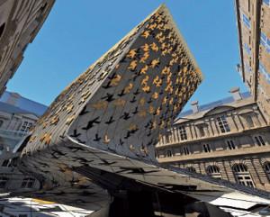 bangunan hasil karya arsitek ZAHA HADID
