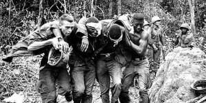 Soldados norteamericanos heridos en la Guerra de Vietnam.