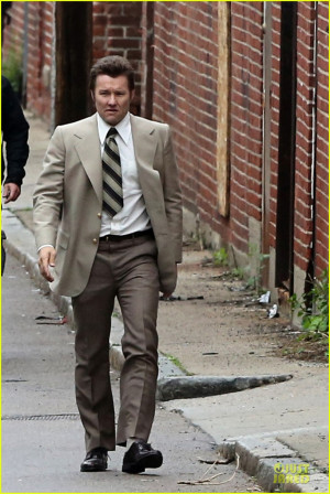 Joel Edgerton Looks Like a Serious FBI Agent for 'Black Mass'!