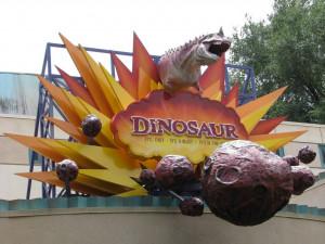Dinosaur-Attraction-At-Disneys-Animal-Kingdom-1280x960.jpg