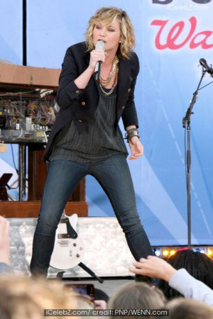Sugarland performing live on 'Good Morning America's Summer Concert ...