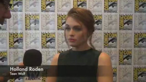 holland-roden-comic-con-q-and-a.jpg