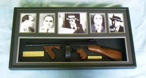 Al Capone shadowbox with full sized 1921 Tommy gun
