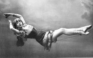 BRICE, FANNY (Fanny Borach) (1891–1951) Comic, Actress