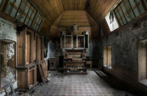 Awe-Inspiring Abandoned Places (39 pics)