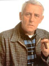Martin Crane ( John Mahoney )