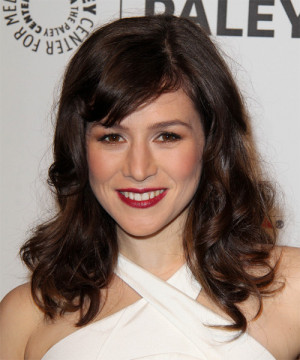 Yael Stone Long Wavy Hairstyle picture