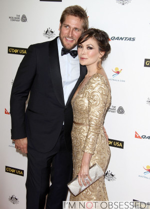 return to hot new couple alert lindsay price and curtis stone