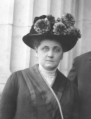 The purse of Jane Addams (Hull-House) was stolen during the Columbian ...