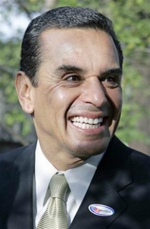After bumpy tenure, L.A. mayor gets new term