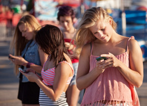 Signs Your Child Is Addicted To Their Phone (And Life Online)