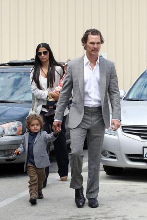Levi+Alves+McConaughey+Matthew+McConaughey+YBOnZygLK6_l.jpg