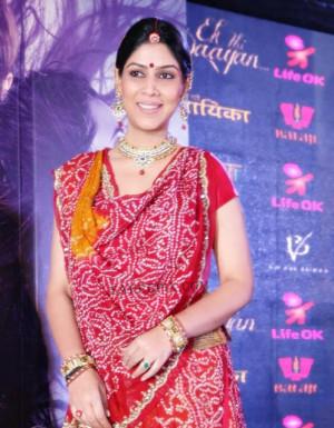 Dhoni Wife Sakshi Saree