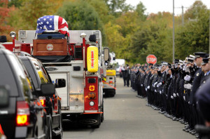 Firefighter's funeral: Thousands Gather To Mourn Hartford Firefighter ...