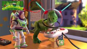 In Toy Story 2 c'è un omaggio a Bug's Life nel calendario alle spalle ...