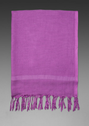 Love Quotes Knotted Tassel Scarf in Purple in Multicolor (purple)