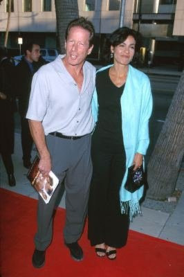Rachel Ticotin and Peter Strauss at event of On the Beach (2000)