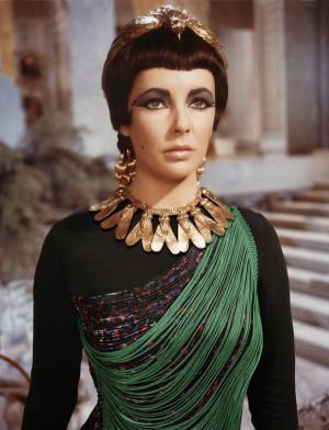 Elizabeth Taylor in Cleopatra, 1963. Top von Stella McCartney, 2014