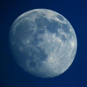 Bluest full moon photo by wolfpix @ flickr - taken in California