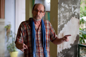 Richard Jenkins as 'Richard from Texas' in India in Columbia ...