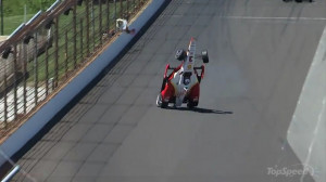 Helio Castroneves Crashes Hard During Indy 500 Practice picture