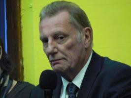 Brief about Paul Darrow: By info that we know Paul Darrow was born at ...