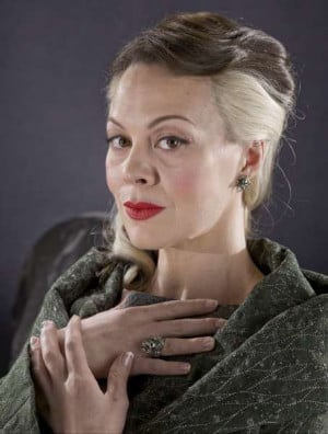 Helen McCrory reveals 3 different looks up for Narcissa Malfoy in ...
