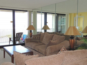 Beach Front, Master views of the Ocean, 2 BR & 2BA - Newly Remodeled ...