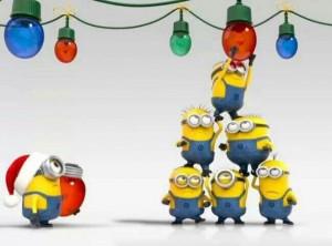 Los Minions preparando la Navidad.