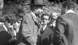 Le sociologue Max Weber en 1971. Les manuscrits, datés de 1911-1913 ...