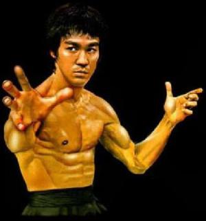 Hoy en nuestro blog, hablaremos de Bruce Lee, unos de los personajes ...