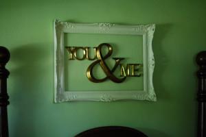 bedroom wall decorating diy romantic frame idea