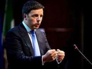Matteo Renzi costretto all atterraggio con l elicottero a Badia al