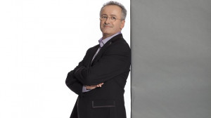 Andrew Denton returns to hosting duties on Randling Picture ABC