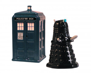 DOCTOR WHO: TARDIS & DALEK SALT & PEPPER SET