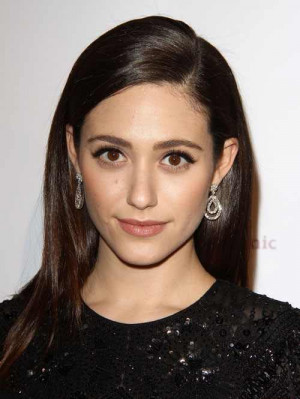 Emmy Rossum gives dating advices to young girls