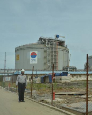 LNG terminal on Puthuvype Island at Kochi. Oil Minister Veerappa Moily ...